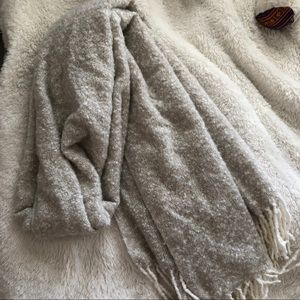 incredibly soft blanket scarf from aerie